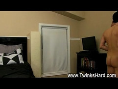 Gay guys Muscled daddy Collin loves to get a tiny naughty now and