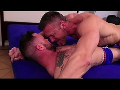 Thomas Brand Hot Kissing (part 2)