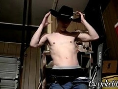 Gay college bj Pissing And Cumming In The Garage